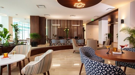24 hour reception Altitude by Krystal Grand Punta Cancún All Inclusive -