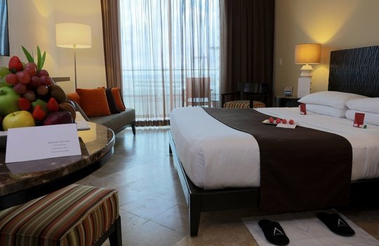 Junior Suite Reflect Krystal Grand Cancún Hotel -