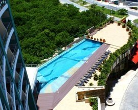 Swimming pool Krystal Urban Cancún Hotel -