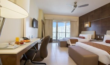 Standard double room Krystal Urban Cancún Hotel -