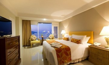 Junior Suite Krystal Beach Acapulco Hotel -
