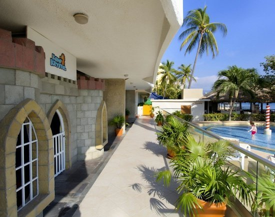 Children's pool Krystal Beach Acapulco Hotel -