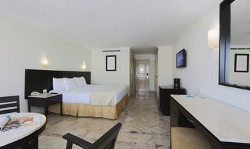 Standard king room Krystal Cancún Hotel -