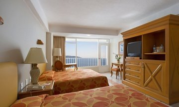 Double room with sea view. Krystal Beach Acapulco Hotel -