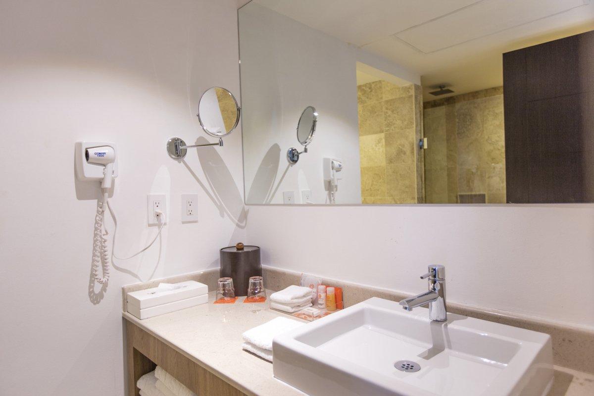 Set De Baño Romantic:Habitaciones Hotel Krystal Cancún, WEB OFICIAL
