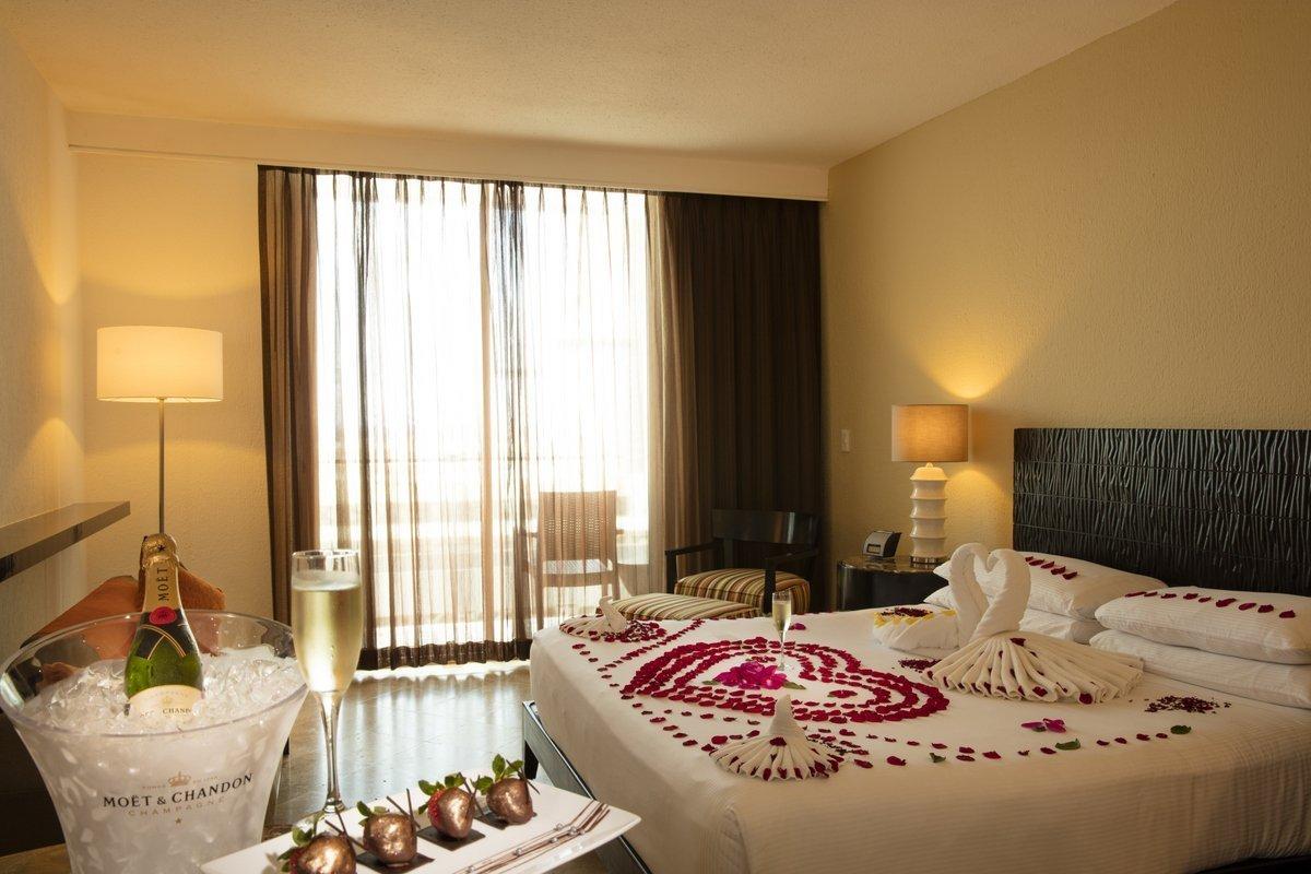 Set De Baño Romantic:Habitaciones Hotel Krystal Grand Punta Cancún, WEB OFICIAL