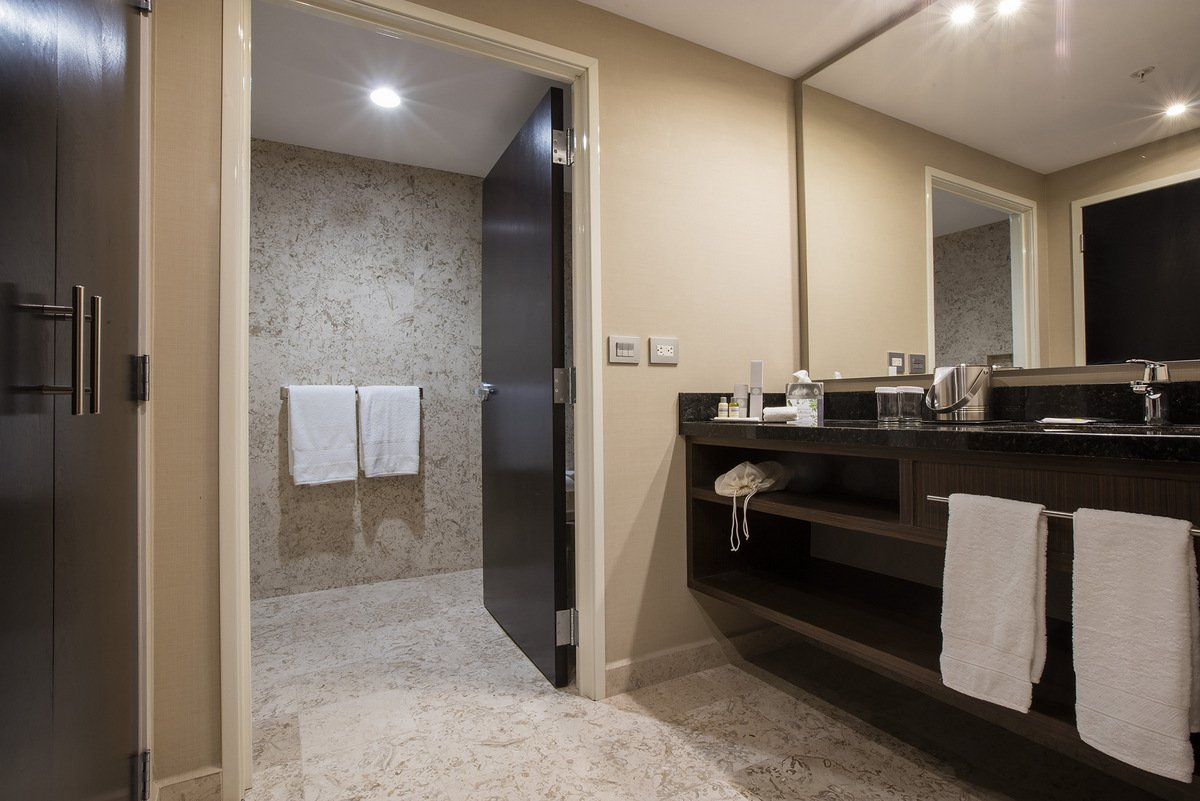 Bathroom Jr Suite Room